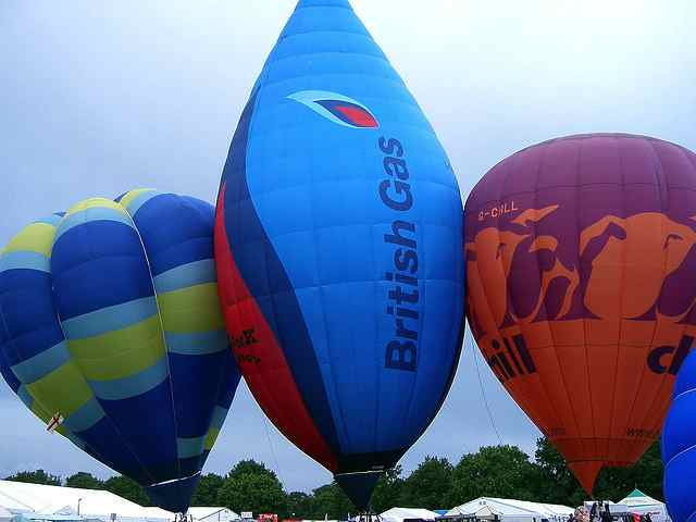 Southampton International Balloon Festival under cc2 by Damien Everett