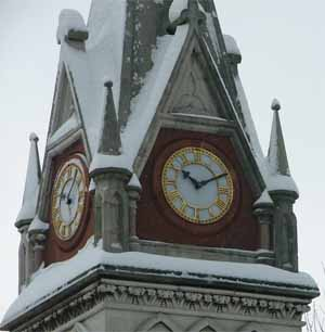 bitterne park triangle clock in the snow