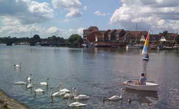 rowing_and_sailing_on_itchen