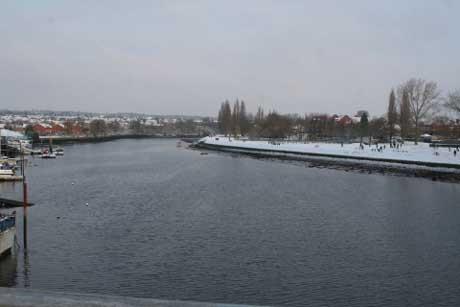 Riverside park snow - view from cobden bridge